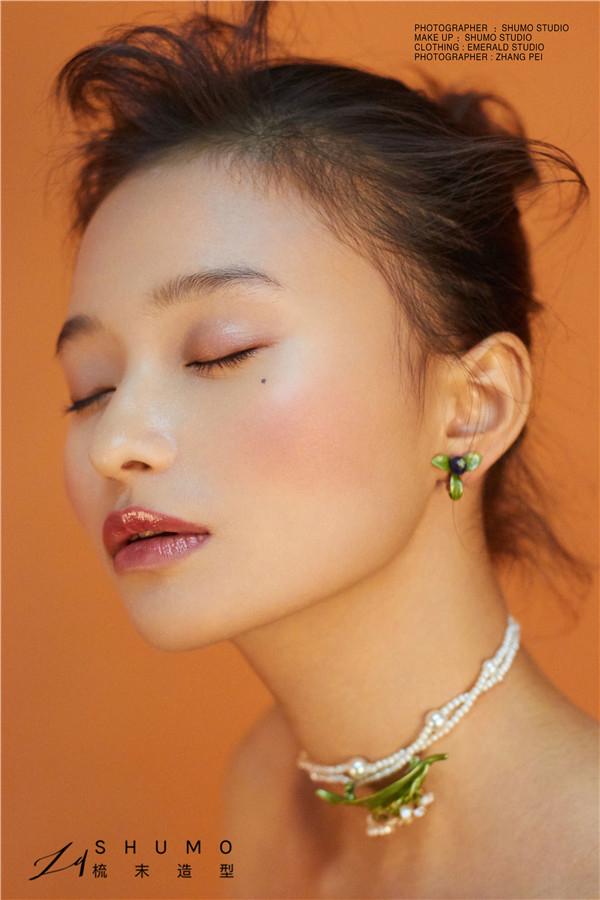 ***美-简洁至上的橘色系妆容