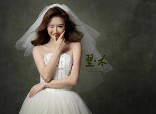 翌术教育造型作品:新娘婚礼头纱造型设计
