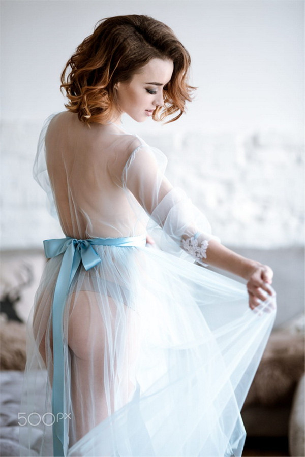 少女私房写 如同包裹在丝缎中的珠宝