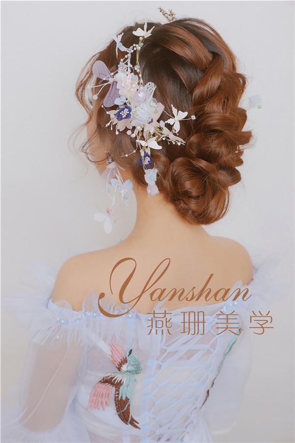 鲜花新娘的灵动优雅