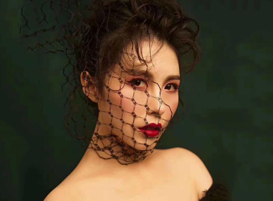 最新影楼资讯新闻-简约性感写真妆面造型欣赏