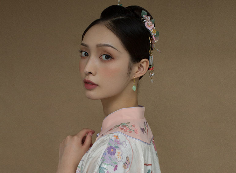 最新影楼资讯新闻-2019 New style X 新中式新娘造型