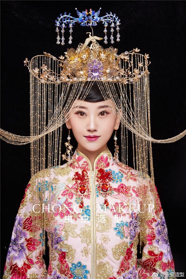 娇媚优雅的中式新娘妆发造型