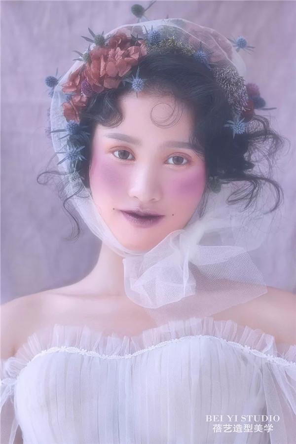 在美妆行业,做手艺挣不了快钱,走的稳才是王道