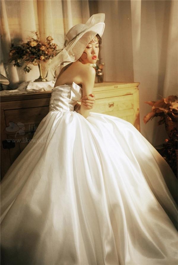 复古新娘造型分享 丛林中的仙女