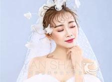 最新影楼资讯新闻-白纱清新淡雅 红妆热情浓烈 你更喜欢哪种风格?