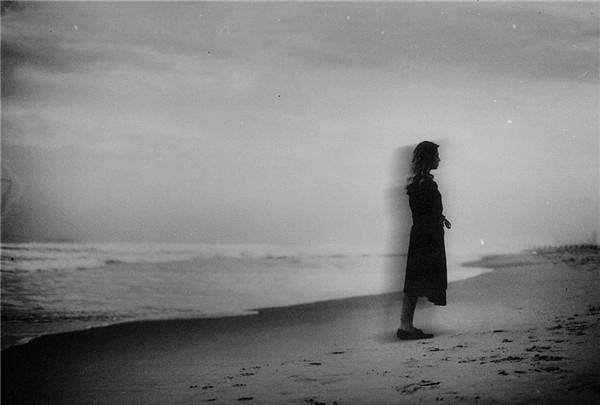 以色列摄影师描绘梦中的万千情绪 忧郁清单的人像画面