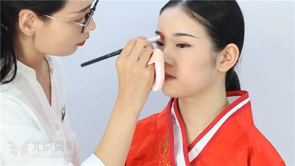 中国传统婚礼周制新娘造型,妆面这样做简直美爆了!