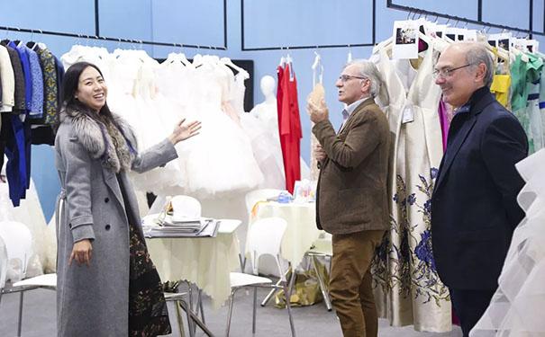 展会第二天持续精彩,引领婚嫁产业新趋势!