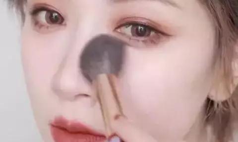 超详细的化妆教程,手把手教你打造秋冬红茶妆