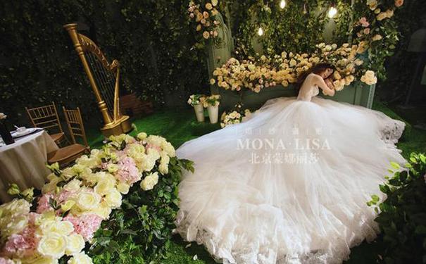 拍婚纱照时,客人要求拍的瘦一点再瘦一点该怎么办?