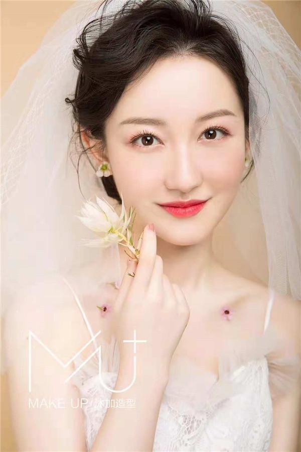 三款甜美韩式新娘造型,简约优雅