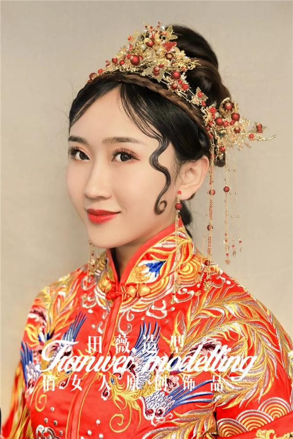 新中式新娘造型,摒弃了千篇一律手法