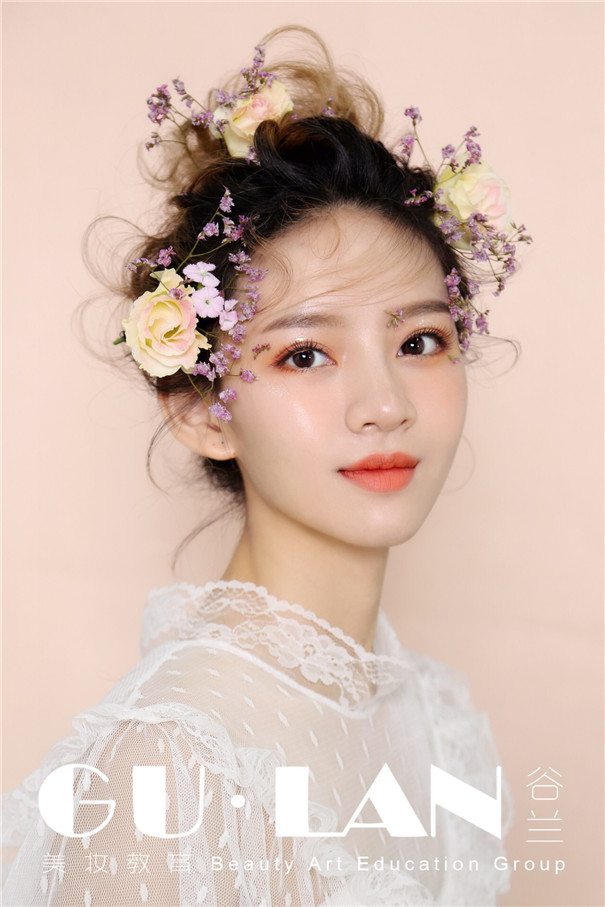 甜美浪漫鲜花新娘造型 花漾新娘