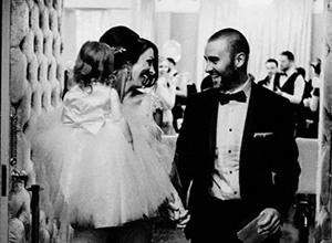 最新影楼资讯新闻-那些价值不菲的婚礼跟拍,背后究竟是怎样的法则?
