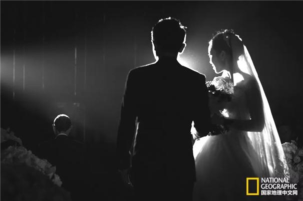 """专访婚礼摄影师杜兮:一位婚礼摄影师的""""俗""""与""""脱俗"""""""