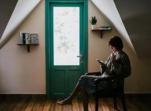 最新影楼资讯新闻-利用画面中的框架来突出人像摄影