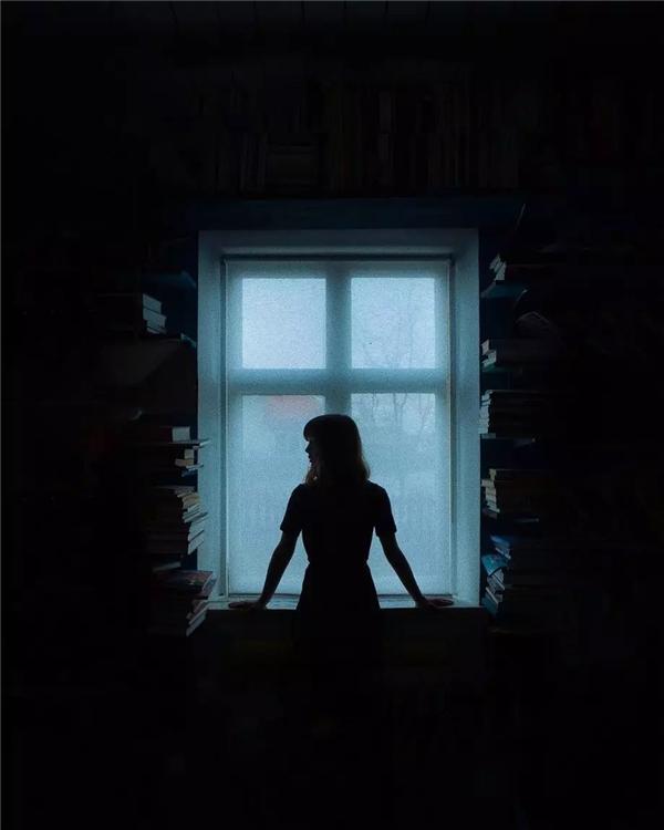 光的静谧:Albin Sj?din人像摄影作品