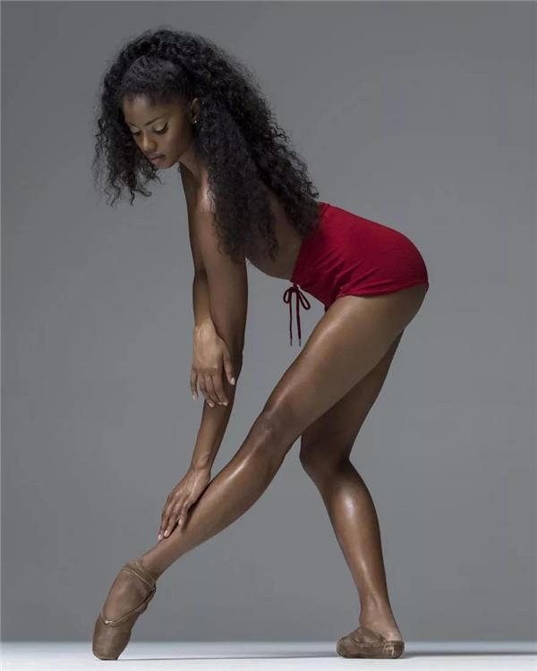 写真:舞姿摄影