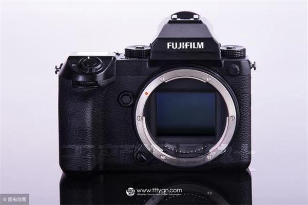 佳能相机市场占有率长时间*一,是因为性能吗?