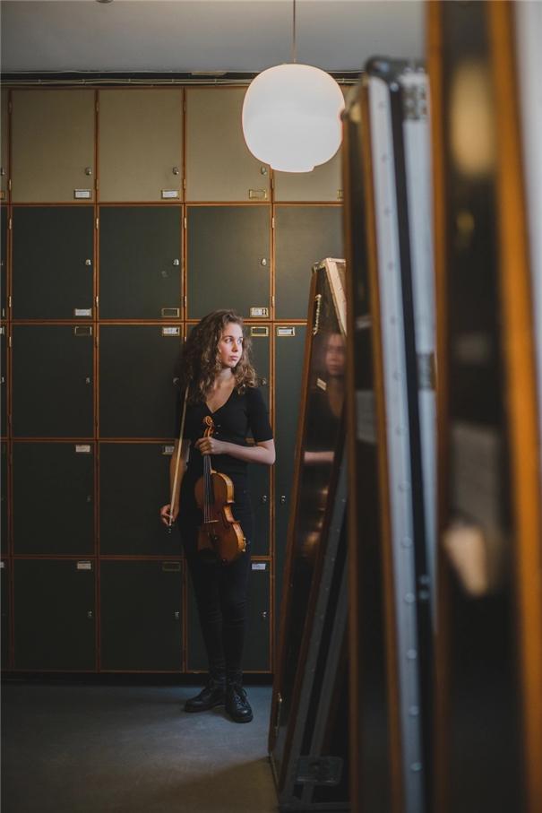 雕琢音乐家们的优雅身姿 诠释人物内心的肖像