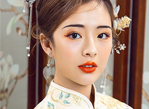 最新影樓資訊新聞-經典盤發搭配新中式新娘妝容
