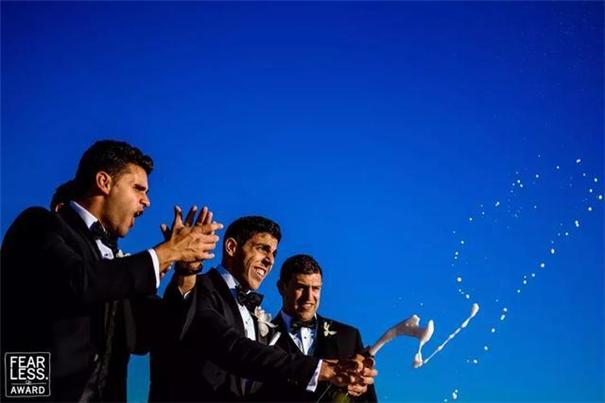婚礼摄影师是记录婚礼,而不是伪造婚礼!