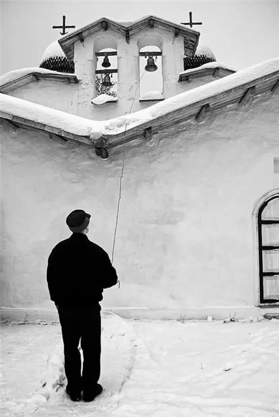 黑白镜头,留你无限遐想的背影系列