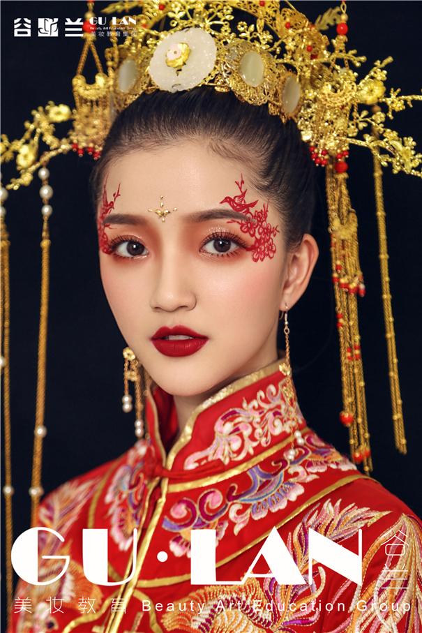 """喜上""""梅""""梢 中式创意凤冠新娘造型"""