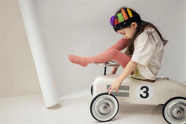 """儿童摄影:孩子越""""入戏"""",照片越有趣"""