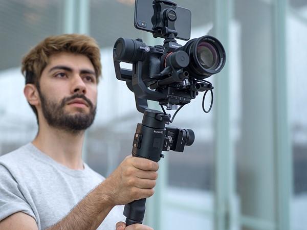 大疆发布用于无反相机的如影SC单手持稳定器