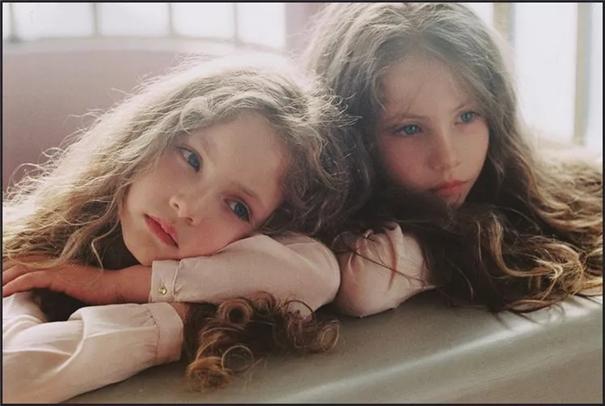 光影如詩,她拍的雙胞胎小女孩也太好看了吧!