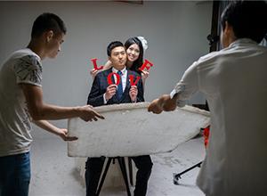 最新影楼资讯新闻-外国摄影师记录婚纱摄影:为什么中国人这么热爱婚纱照?