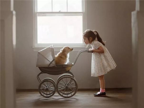 暖心瞬间:孩子与宠物的美好友谊