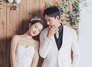 最新影樓資訊新聞-每一張浪漫美好的婚紗照背后,都有拼了命的攝影師和助手