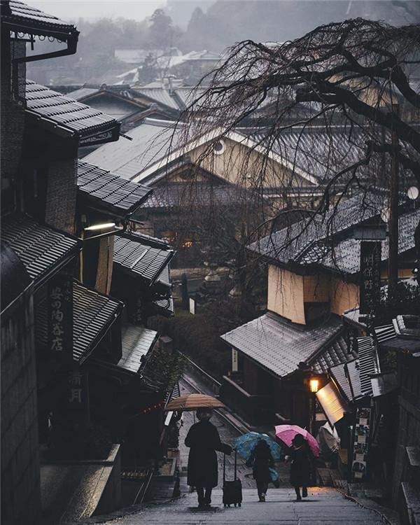 Takashi Yasui:雨天的东京