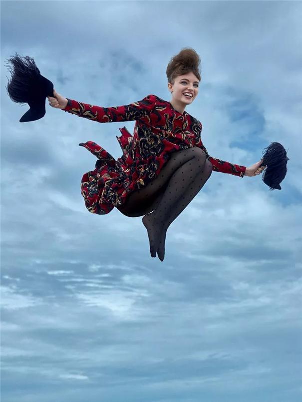 时尚甄选 : 飞行的小魔女