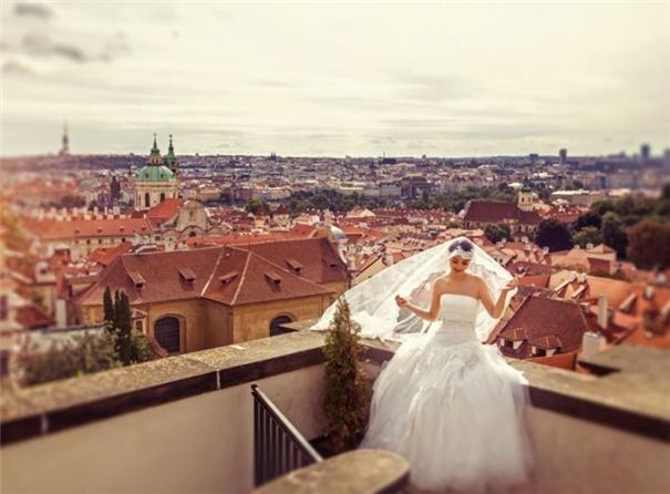 中国新人网 婚摄行业席卷欧洲城市!中国新人涌向布拉格拍婚纱照