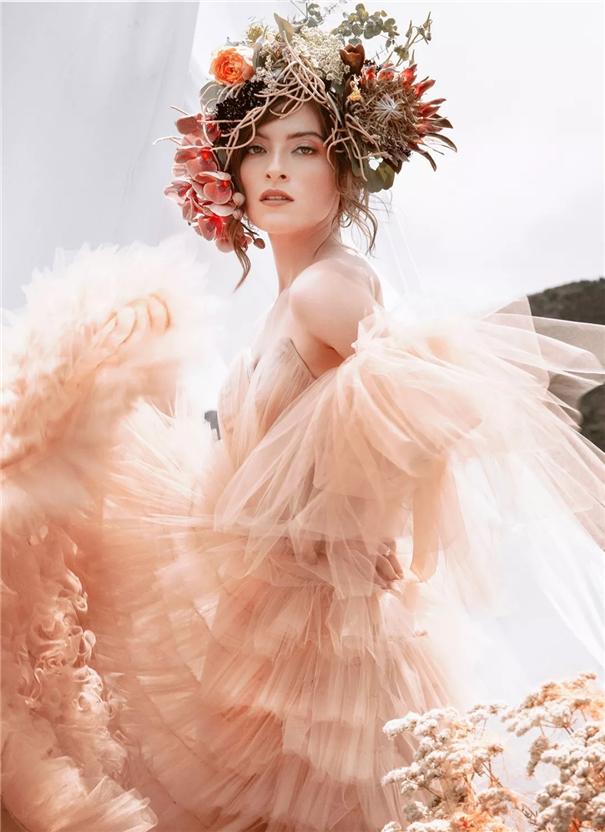 时尚婚纱照 典雅、明快而简约的时尚婚纱照