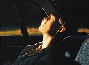 最新影楼资讯新闻-情绪视觉化表达 电影感画面般的浪漫忧郁