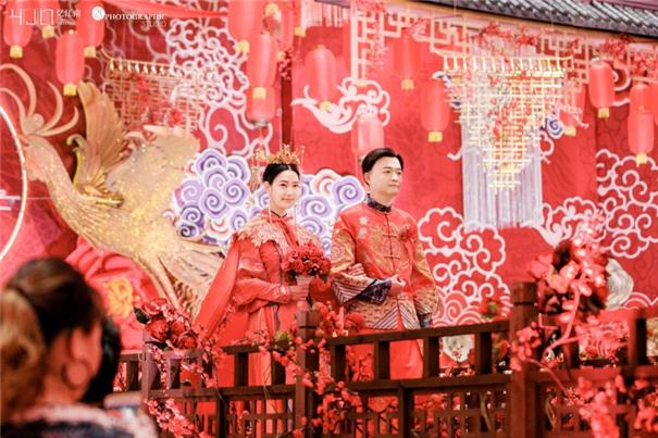 婚摄团队跨界拍电影?忆江南全程赞助《大红包》