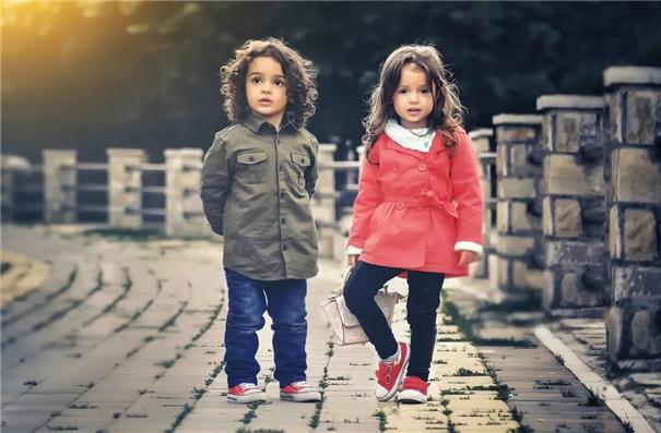 儿童摄影实用技巧:寻找不一样的视角