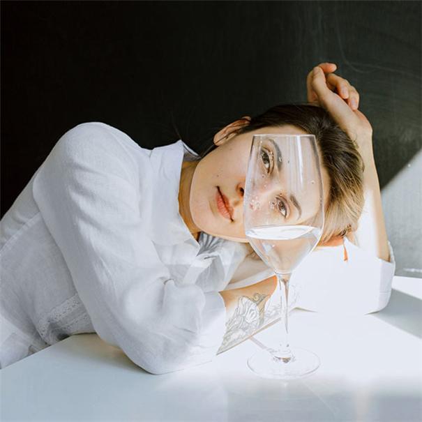 Lisaweta Wlasenko时尚人像:在宁静中玩味