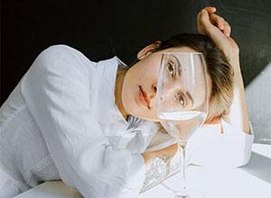 最新影楼资讯新闻-Lisaweta Wlasenko时尚人像:在宁静中玩味