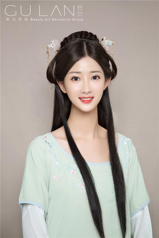 優雅高髻玉簪盤發 精致的漢風美人