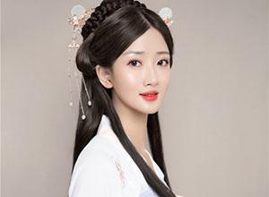 优雅高髻玉簪盘发 精致的汉风美人