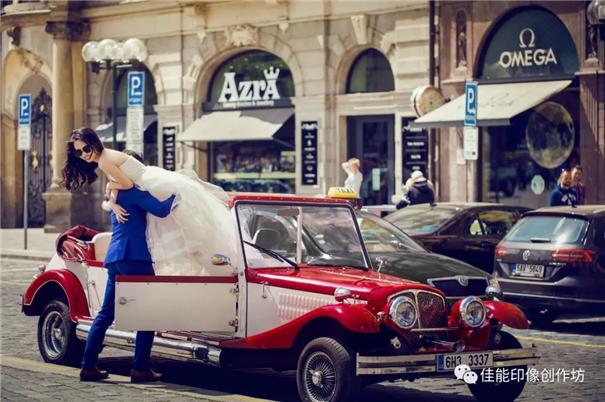 David Lau:外景婚紗照中擺姿的情景化設計