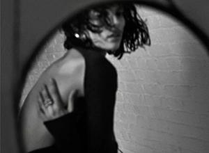 最新影楼资讯新闻-时尚甄选 : 迫近的性感与张扬