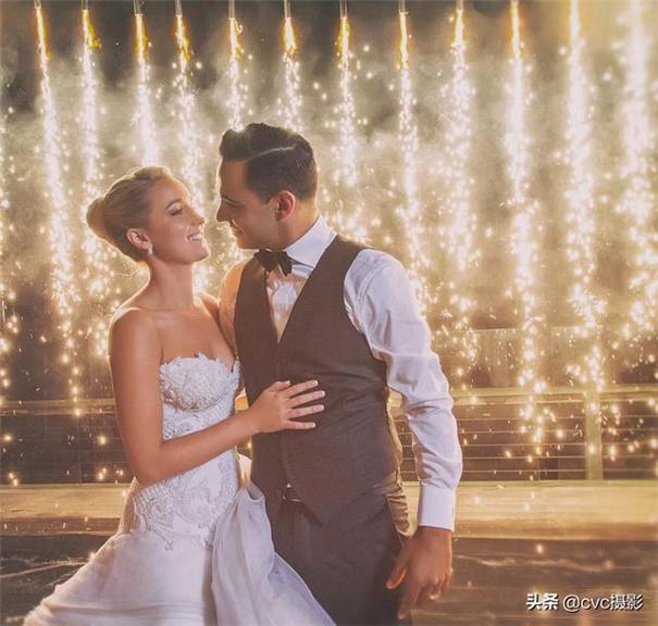 """婚礼摄影师,不要觉得摆拍""""一定""""没有抓拍好"""