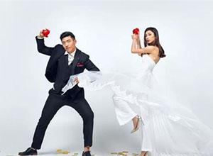 """最新影楼资讯新闻-婚礼摄影师,不要觉得摆拍""""一定""""没有抓拍好"""
